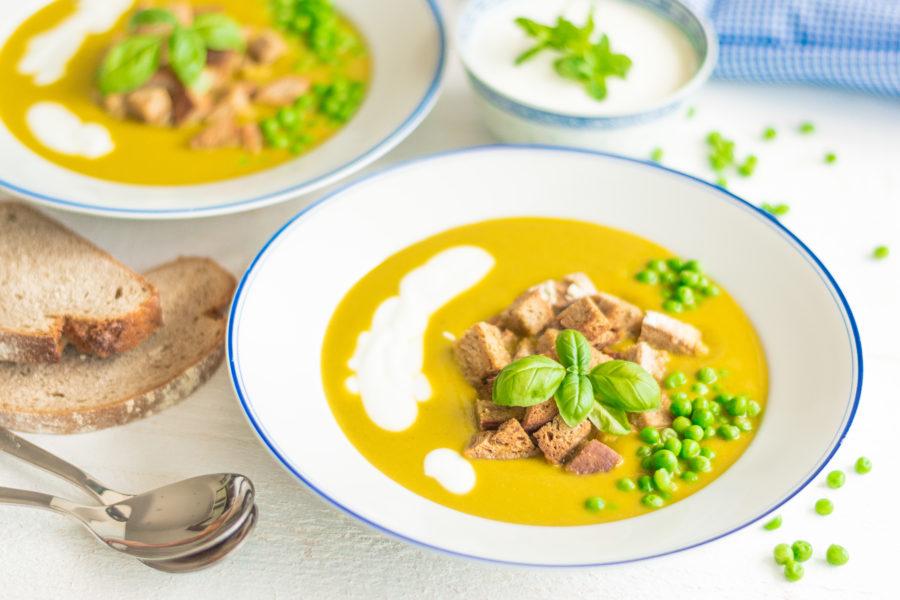 Зеленчукова крем супа от грах и къри