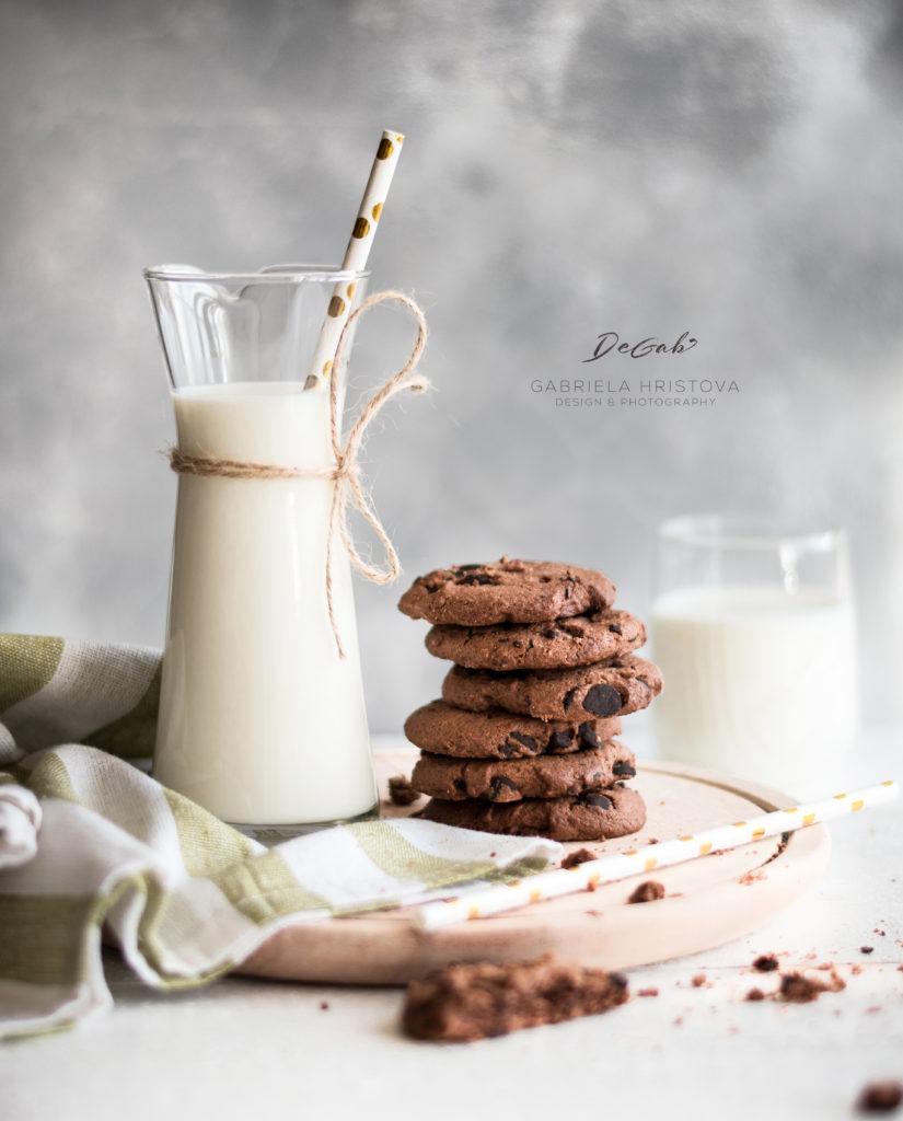 Кулинарна фотография - Мляко с бисквити