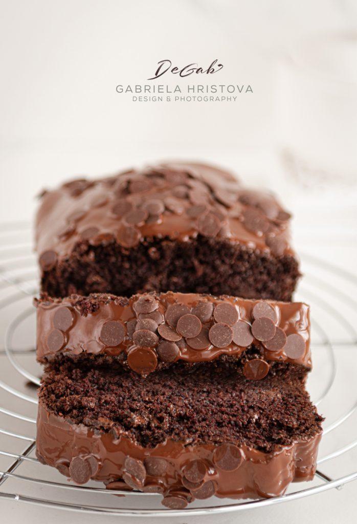 TRIPLE CHOCOLATE ALMOND BUNDT CAKE